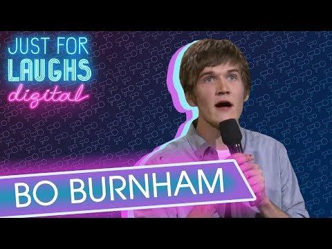 Bo Burnham: Poezie a smutná píseň o smutnění