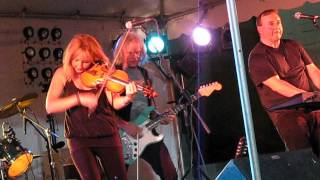 Linda Rutherford and Celtic Fire performing The Devil Went Down To Georgia