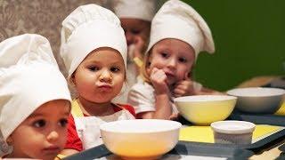 Рома и Диана вместе с друзьями делают творожный десерт