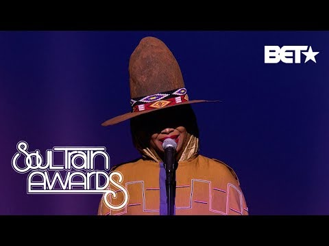 ERYKAH BADU PERFORMS A MEDLEY THAT TOUCHES OUR SOULS | Soul Train Awards 2018
