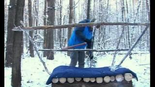 Смотреть онлайн Ночевка в зимнем лесу без палатки