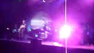 Alanis Morissette - Spineless (live in Milan 2005)