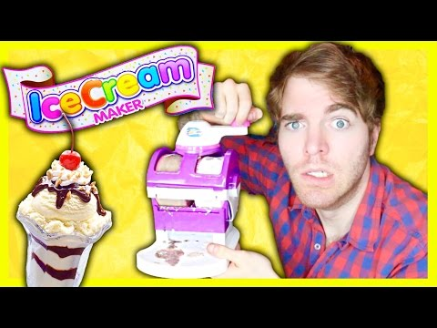 TRYING THE ICE CREAM MAKER