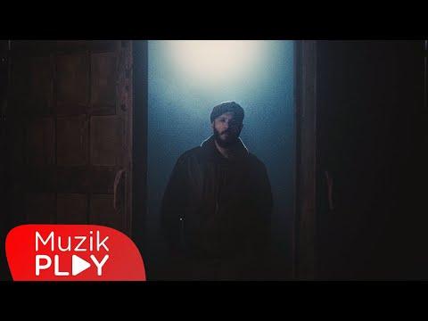 Çağrı Sinci - Revolver (Official Video) Sözleri