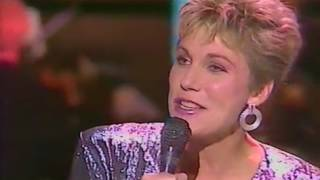 Anne Murray - Snowbird (Live)