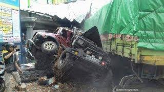 Diduga Rem Blong, Truk Kecelakaan Maut hingga Tabrak Bangunan Rumah Sakit di Bumiayu