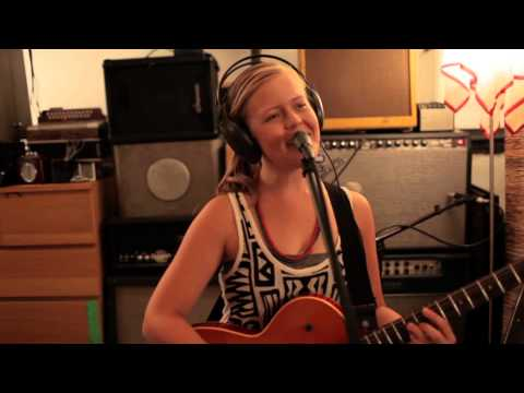 Emily Elbert - In With the New (New Single)