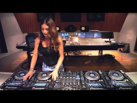 DJ Juicy M - All home mix Songs