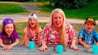 Sofie, Melody, Chanell o Charlie testar smaker med ögonbindel parken
