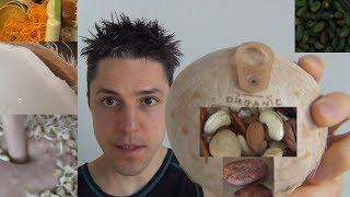 Kokosnuss mit Dosenöffner für schokoladige Kokosmilch leicht öffnen + Dip für Yacon & Wurzelnudeln