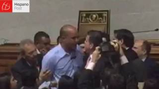 Nuevo enfrentamiento entre oposición y gobierno en el Parlamento venezolano