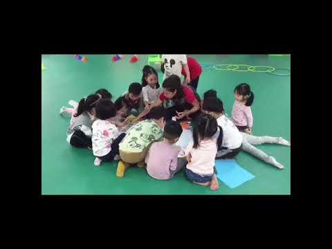 Nhân ngày Nhà giáo Việt Nam 20-11 Các bé yêu của Trường Mầm non 20-10 cùng HLV GoKids đã có món quà rất dễ thương gửi tới các thầy cô