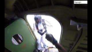 Девушка инвалид-колясочник прыгнула с парашютом в компании спортсменов «СкайДайв Трэвел»