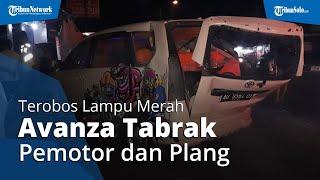 Terobos Lampu Merah, Mobil Avanza di Kartasura Seruduk Pemotor dan Truk Cargo
