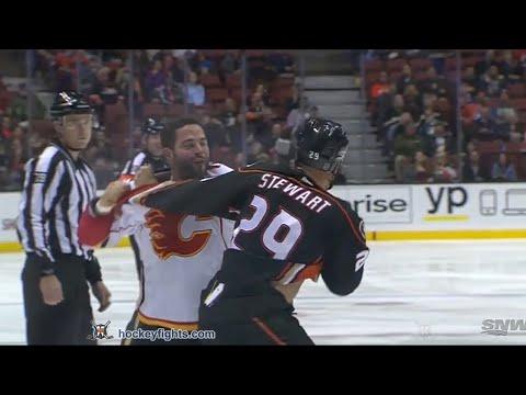 Chris Stewart vs. Brandon Bollig