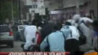preview picture of video 'Alcohol y volante a la salida de los boliches'