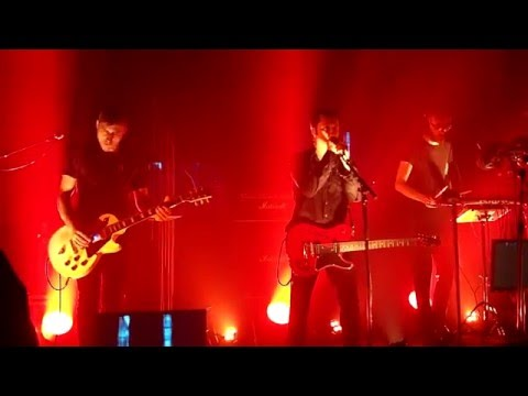 Velvetine – prologue + Far Away (live)
