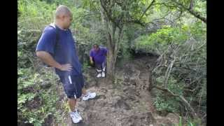 preview picture of video 'Kuliouou Ridge Trail with David & Ed'