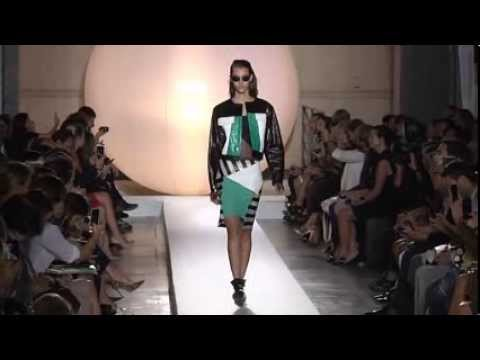 Paris Fashion Week Coverage: Roland Mouret Spring 2014 Collection
