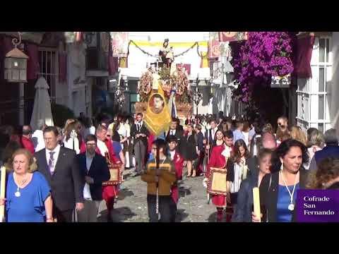 La procesión del Corpus Christi brilla en las calles de San Fernando
