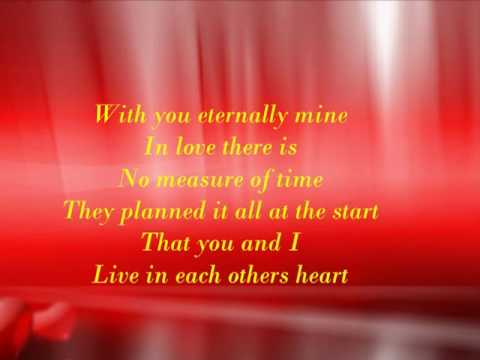 Barbra Streisand - Woman in love (with lyrics)