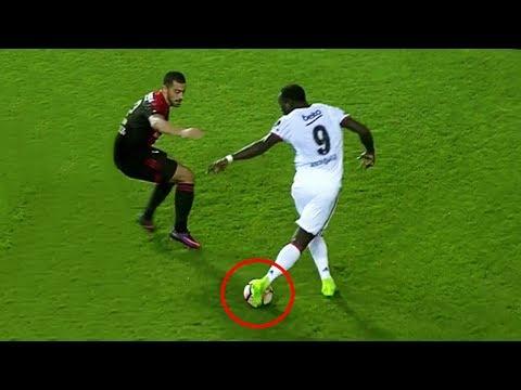Las Jugadas Más Inesperadas Del Fútbol ● The Most Unexpected Skills