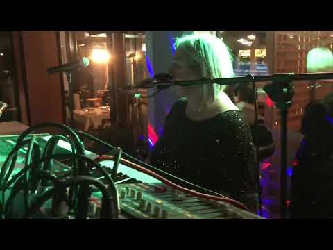 Elisa dei `Manupia` Saengerin video preview
