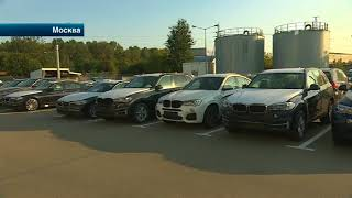 В Москве обманутый покупатель забаррикадировал автосалон