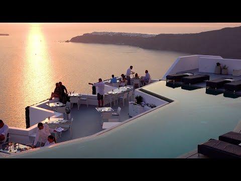 A Dreamy Tour of the Island of Santorini, Greece