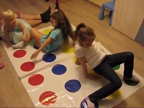 Твистер! Играют девчонки! Веселая игра для детского праздника. Игры для мальчиков и девочек