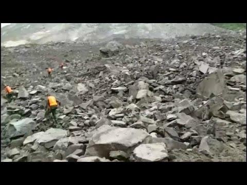 Kίνα: Κατολίσθηση έθαψε χωριό-Τουλάχιστον 100 οι αγνοούμενοι
