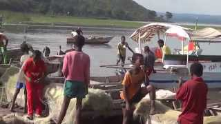 preview picture of video 'Fishing Lake Hawassa, Ethiopia: Rift Valley lakes and catching Tilapia and Catfish'