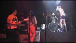 Ariel Pink - Not Enough Violence (LIVE)