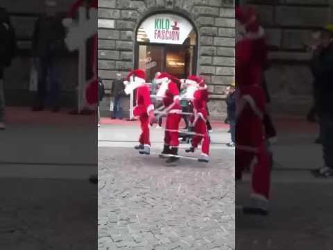 Super car video dansende kerstman