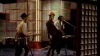 Thompson Twins - Love On Your Side