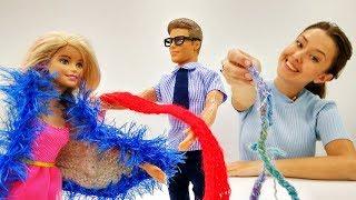 Игры для девочек. ОСЕННИЙ ШОППИНГ с #Барби: утепляемся к осени! Барби покупает ПАЛЬТО и САПОГИ