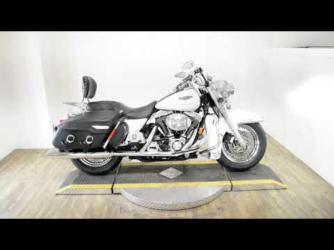 2002 Harley-Davidson FLHRCI Road King® Classic in Wauconda, Illinois - Video 1