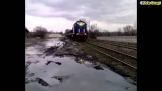 preview picture of video '[ KP Kotlarnia ] TEM2-123 z rolkowcami @Pyskowice #2010-04-06'