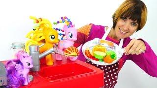 Весело играем с пони. Видео для детей. Капуки Кануки Волшебная коробка. Готовим для игрушек