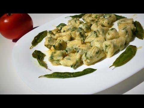 ньокки со шпинатом и рикоттой \творогом.Итальянская кухня.