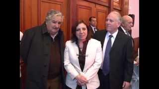 preview picture of video 'Mujica participó de cena para recaudar fondos para el Parque de la Amistad'