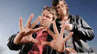 3OH!3-Punkbitch WITH LYRICS