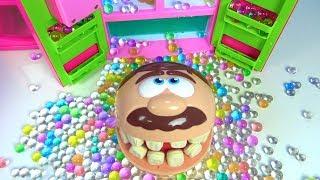 Play Doh Dişçi Aç Adam Joker eşek şakası oyuncak buzdolabı orbeez doluyor Aç Adam Niloyanın evinde