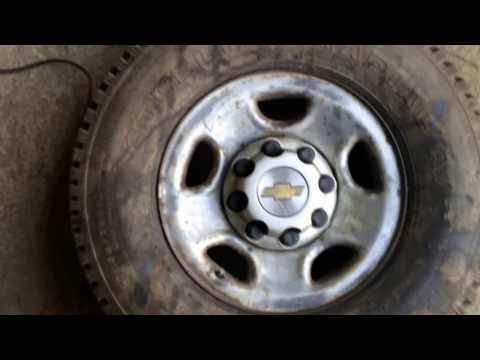 Wheel painting tips and life hack. 03 Chevy 2500 tire change