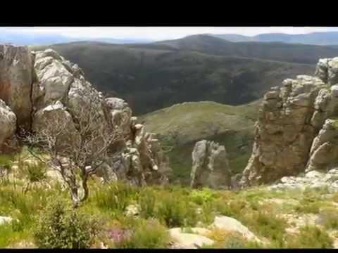 Navarredonda de la Rinconada . Cueva de la Mora