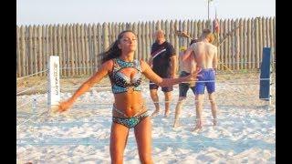 Стрелка в Украине на Пляже с девушками