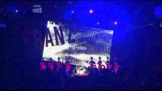 Franz ferdinand performing Outsiders