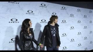 Daniela Ruah et Eric Christian Olsen //Oakley's Black Carpet Saison 5