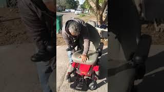 Reparacion de silla electrica Jazzy Select - 2 maneras de cambiar las baterias