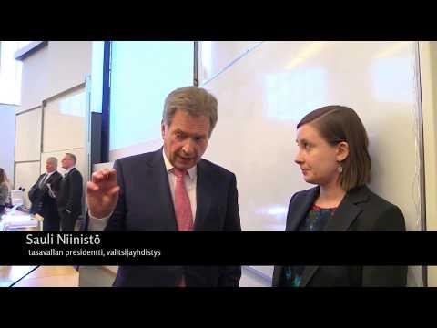 Presidenttiehdokas Sauli Niinistö haastateltavana